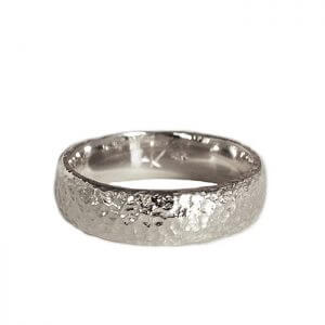 anouk-jewelry_AJR015_mens-seashore-rounded-band-wg